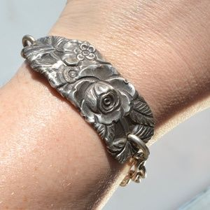 Art Nouveau Floral Sterling Silver Link Bracelet